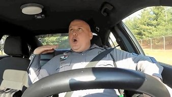 Shake it off : cop version !